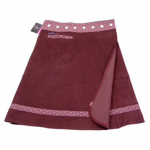 The skirt has a small integrated pocket on the right side