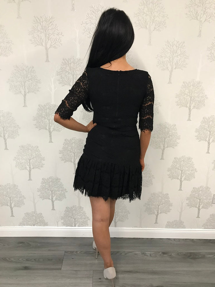 Black 3/4 Sleeve Lace Frill Hem Dress