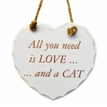 Houten tekstbord All you need is love and a cat.