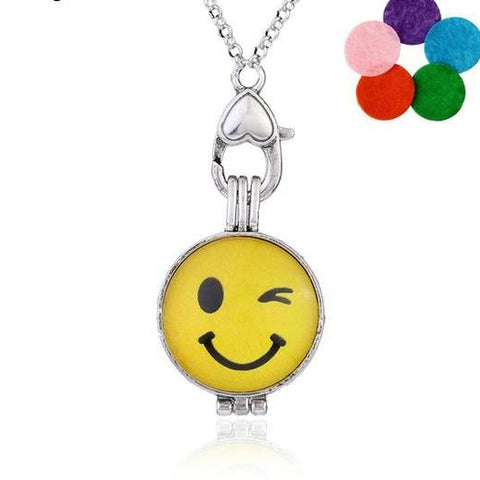 Skyrim Expression Package Interested Exquisite Emoji Pendant Necklace