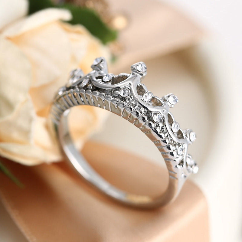 Queen Crown Silver Lady Ring