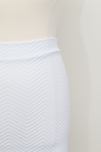 Fashion To Figure Chevron Patterned White Skirt - Size 3