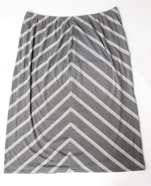 Avenue Grey & White Maxi Skirt - Size 26/28