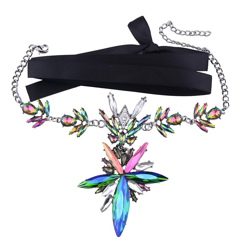 Chic 'N Flirty Choker Necklace