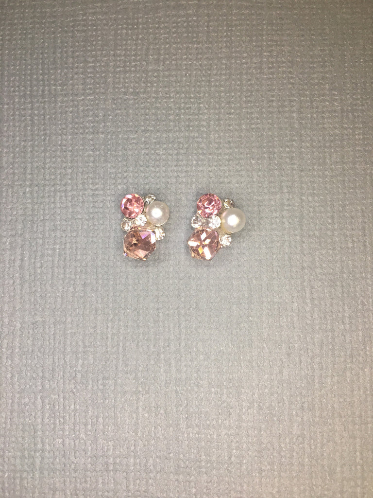 Pearl with Shades of Light Pink Gems (2)