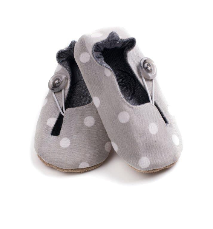 unisex baby shoes by Myang.