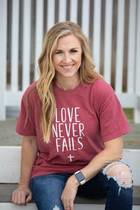 Love Never Fails - Tee