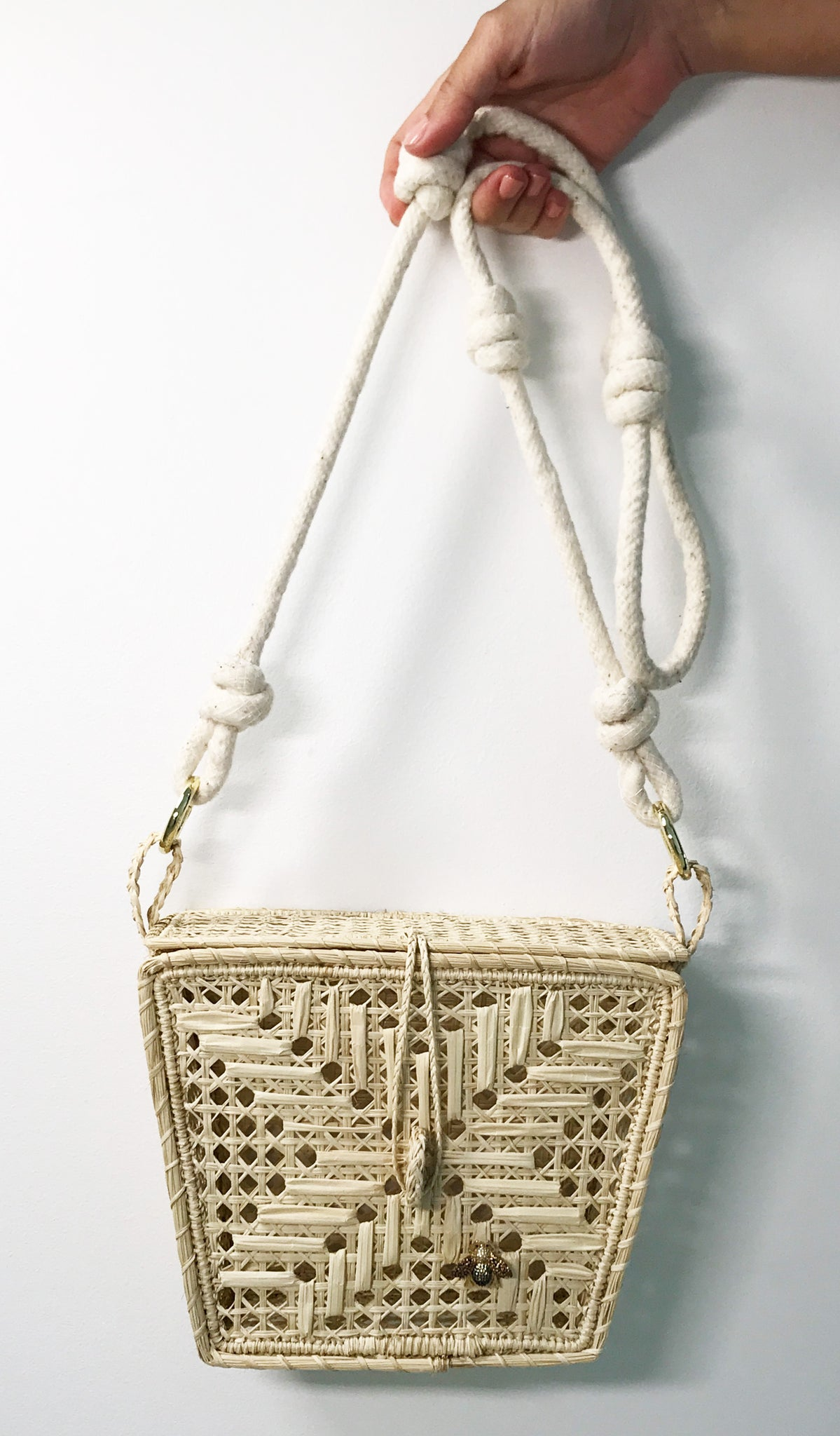BEE SQUARE STRAW BAG