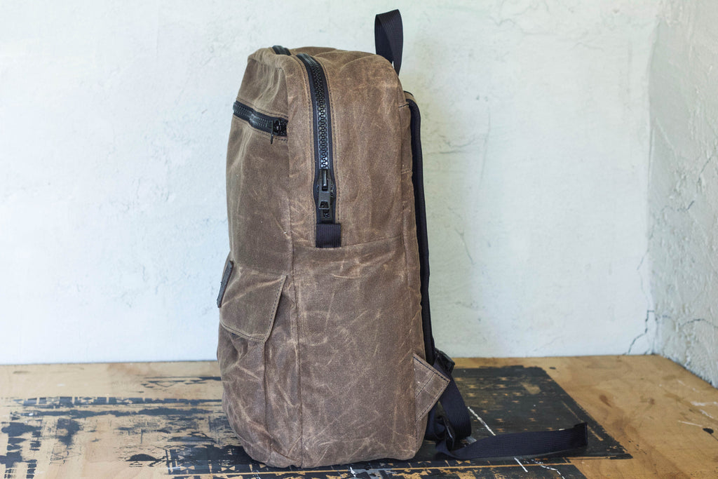 Waxed Zipper Pack | Chocolate - Valentich