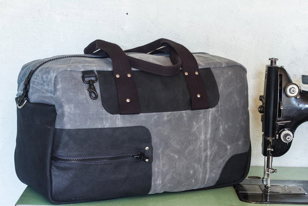 Waxed Canvas Weekend Duffel | Charcoal - Valentich