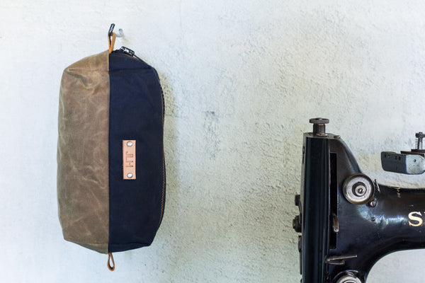 Waxed Dopp Kit | Navy + Field Tan - Valentich