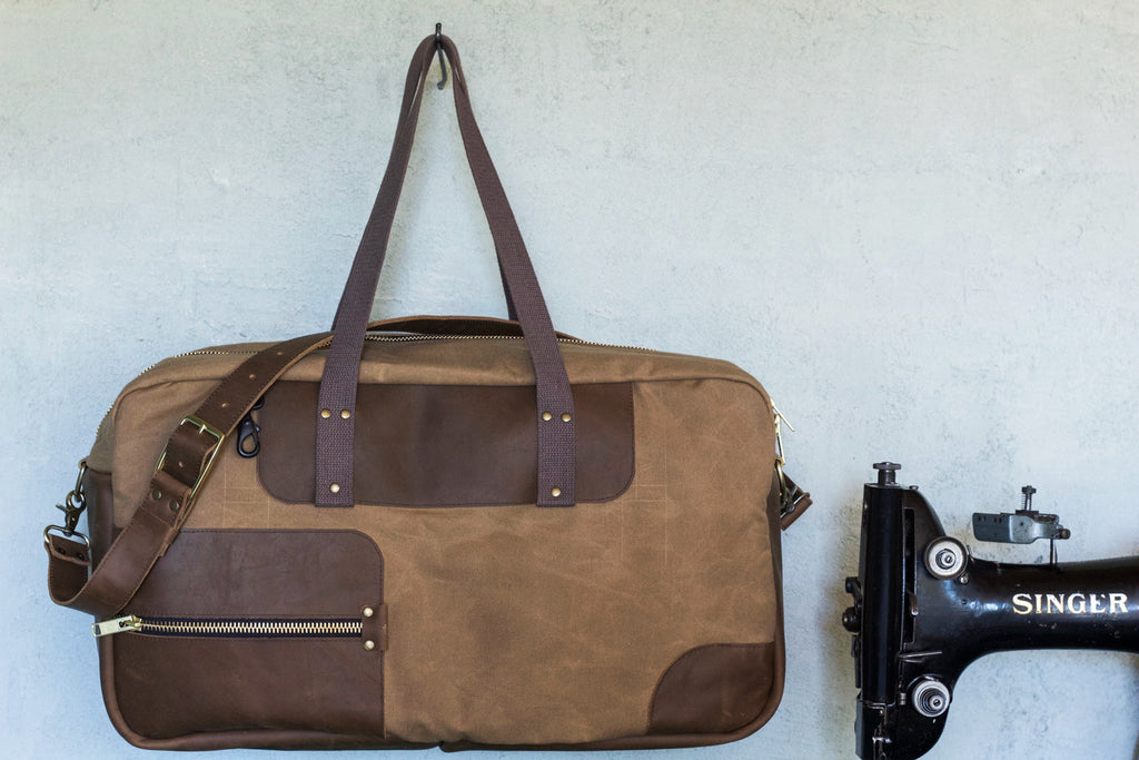 Waxed Canvas Weekend Duffel | Field Tan - Valentich