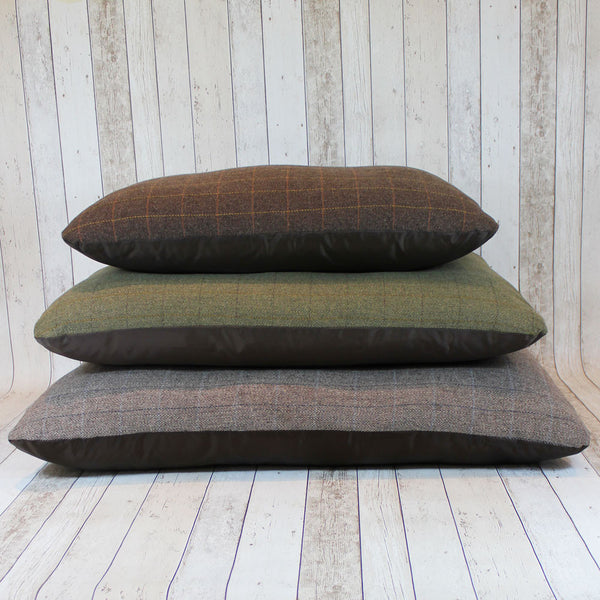 Tweed Pad Bed