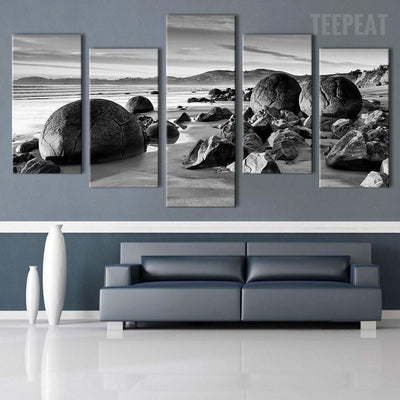 TEEPEAT Canvas unframed / medium Beach Boulders Black and White - 5 piece canvas