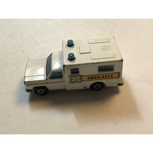 "Matchbox - 1/64 - MB#41 - Superfast ""Ambulance"" 1977 no back doors - White - England"