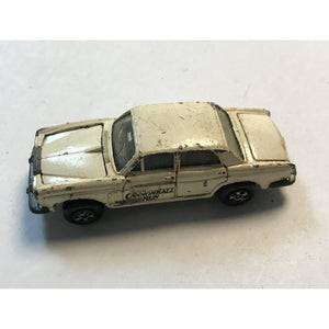 Ertl The Cannonball Run Rolls Royce Silver Shadow White 1:64 - Annzstiques