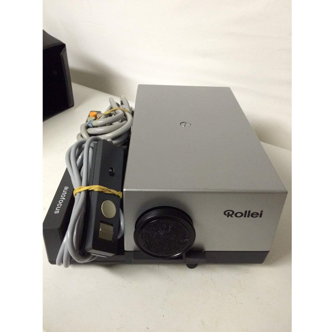 Rollie Model P35E Autofocus 35mm Slide Projector + Remote + Cover