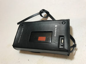 Sanyo M1000 Mini Dictation Cassette Recorder With carrying Case