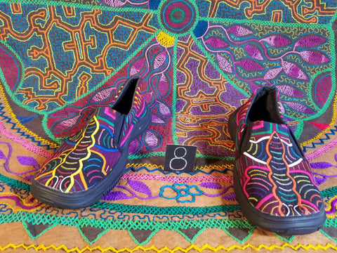 Moccasin Mola Shoes - Size 8 - Flutters