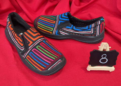 Moccasin Mola Shoes - Size 8 - Trimurti