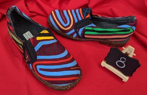 Moccasin Mola Shoes - Size 8 - Surya