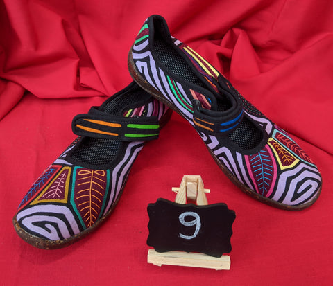 Mary Jane Mola Shoes - Size 9 - Durin