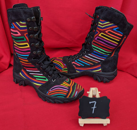 Journey Rugged Hiker Mola Boot - Size 7 -  Wasika