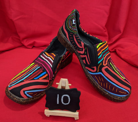 Moccasin Mola Shoes - Size 10 - Wyna