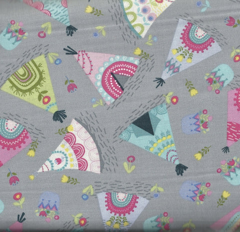 Tosse teepees gray Timeless Treasures fabric