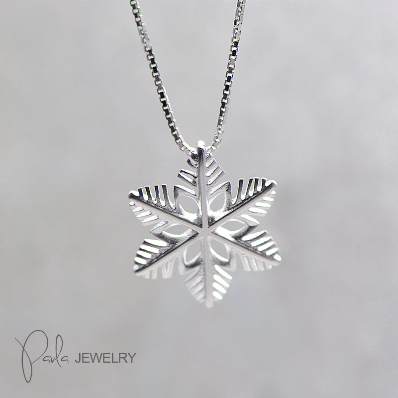 Necklace Silver Snowflake Cute Charm Pendant Choker Necklace Christmas Gift Jewelry Accessories Women