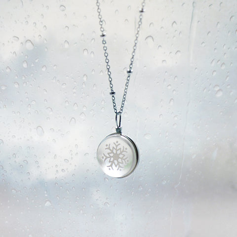 Silver Necklace Snowflake Glaze Glass Ball Pendant Charm Necklace Gift Jewelry Cute Accessories Women