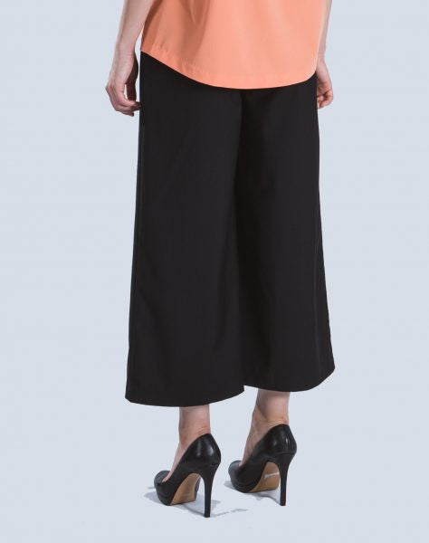 Melur Inverted Pants in Black