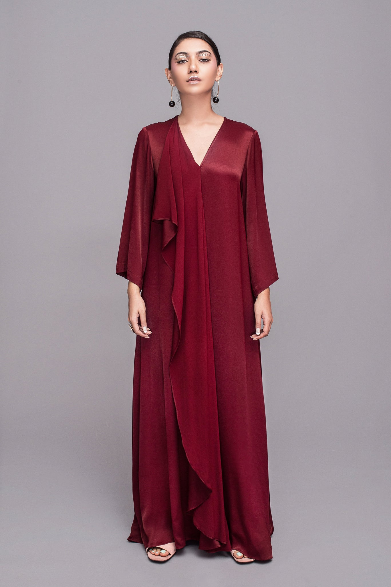 Masam Manis in Maroon