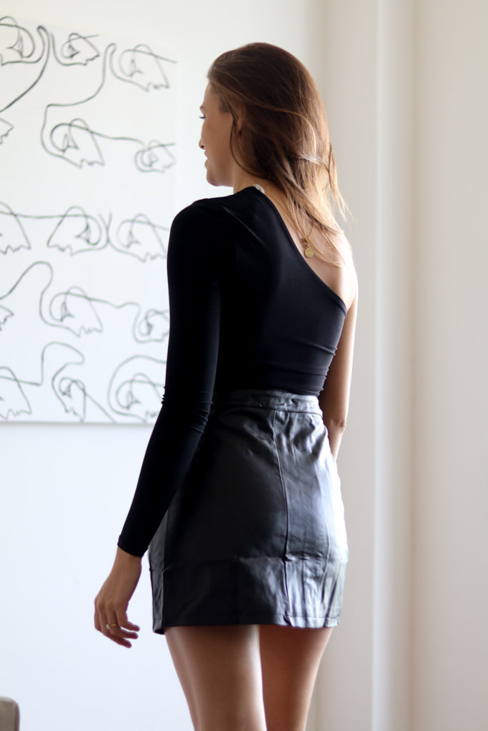 AT FIRST SIGHT BLACK SKIRT