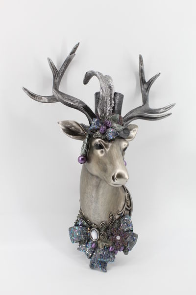 December Diamonds Deer Head Wall Decor