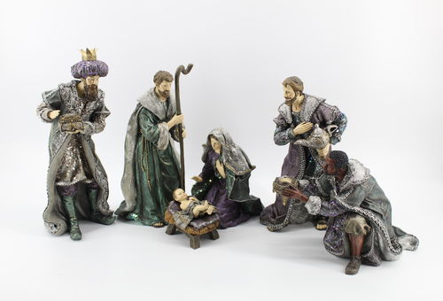 December Diamonds Nativity Set