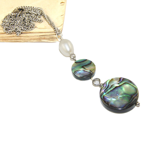 Paua shell pendant, freshwater pearl necklace