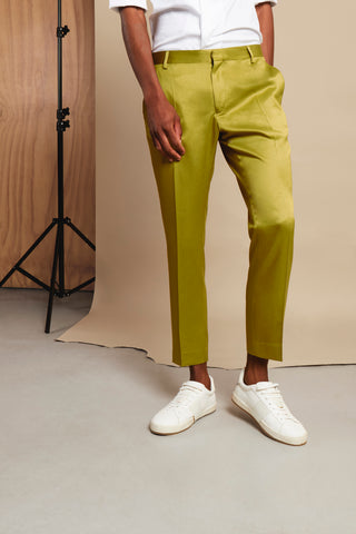 ONE KHAKI TROUSER