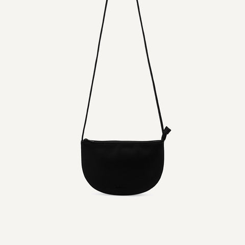 Farou half moon bag black | Monk and Anna