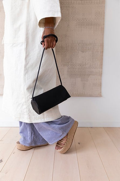 Jūgoya full moon bag black | Monk and Anna