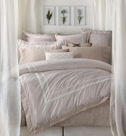 Georgian Pink Comforter Set