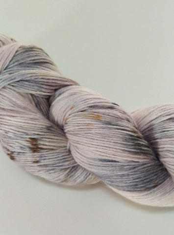 Baby Alpaca / Merino, 4 ply, 100g - Berry Yogurt