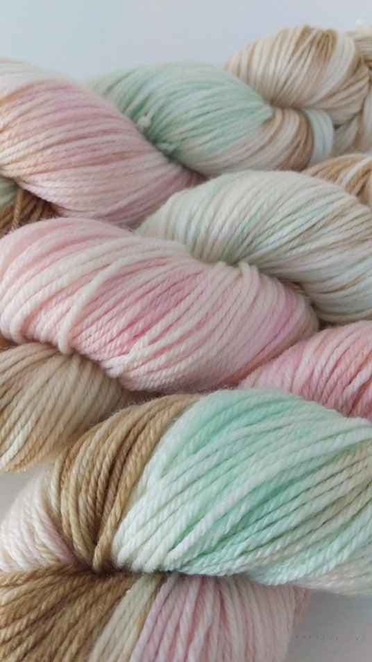 Superwash Merino / Bamboo DK (8 ply) - Saltwater Taffy