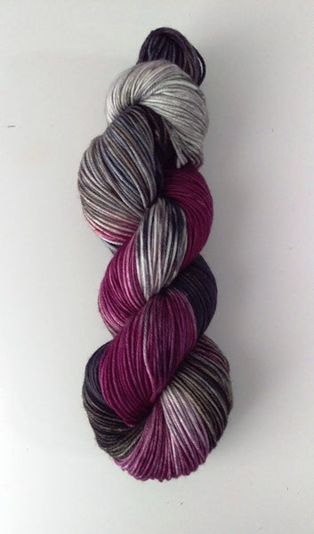 Superwash Merino Crazy Eight DK (8ply), 100g - Black Berry