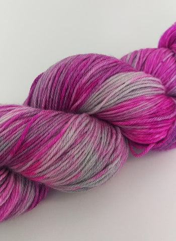 Superwash Merino / Bamboo, 4 ply, 100g - Bubblegum