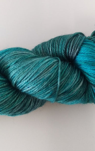 Superwash Merino / Silk, 4 ply, 100g - Peacock Tea