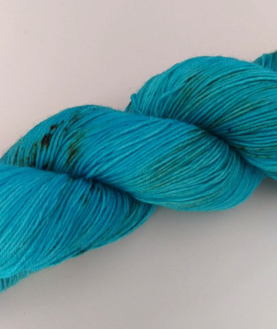 Superwash Merino / Nylon, 4 ply (sock), 100g - Blue Speckled Egg