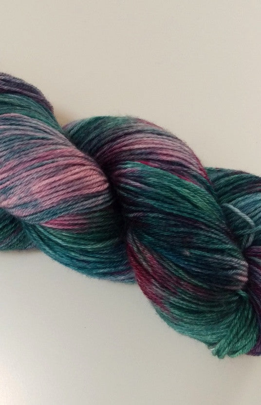 Cashmerino, 80% Merino / 20% Cashmere, 4 ply, 100g - Tea in the Rose Garden