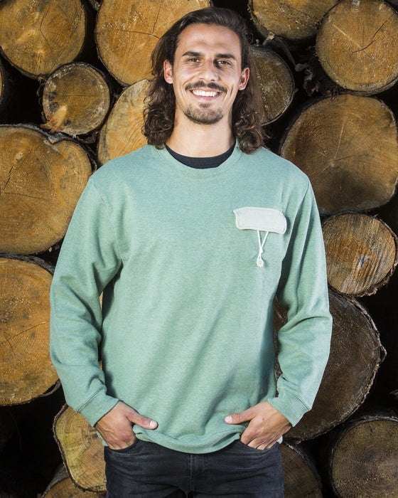 Hier ist ein/e Sweater mit dem Namen String Pocket von The URA Collective. The URA Collective ist eine neue, aufstrebende und unbekannte Marken, die ihre Produkte im New Hand Shop anbietet.