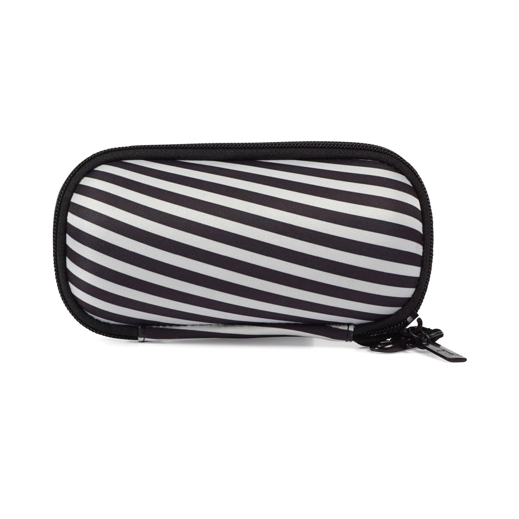 Ju-Ju-Be Onyx Be Shady sunglass case in Black Magic